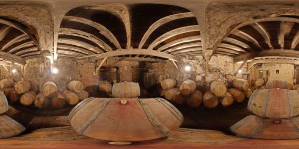 Caves à barriques du château Franc-Patarabet, Saint-Emilion Grand cru depuis 1845.